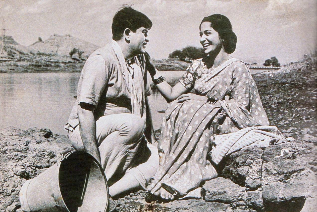 फणीश्वरनाथ रेणुको कथा 'मारे गए गुलफाम' मा बनेको फिल्म 'तीसरी कसम' को एक दृश्यमा राज कपुर र वहिदा रहमान। गीतकार शैलेन्द्रले निर्माण गरेको यो फिल्म वासु भट्टाचार्यले निर्देशन गरेका हुन्।